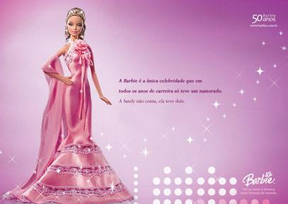 A Barbie é a única celebridade que em todos os anos de carreira só teve um namorado. A Sandy não conta, ela teve dois